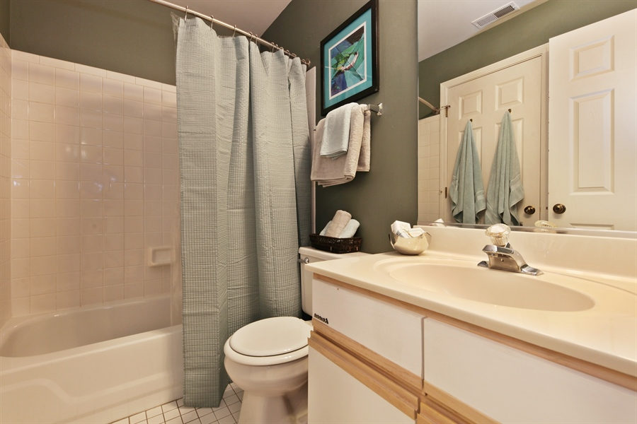Real Estate Photography - 2527 Live Oak, Buffalo Grove, IL, 60089 - 2nd Bathroom