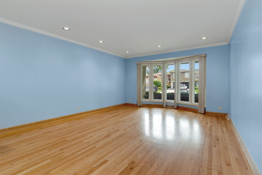 Real Estate Photography - 6902 Lockwood, Skokie, IL, 60077 - Living Room