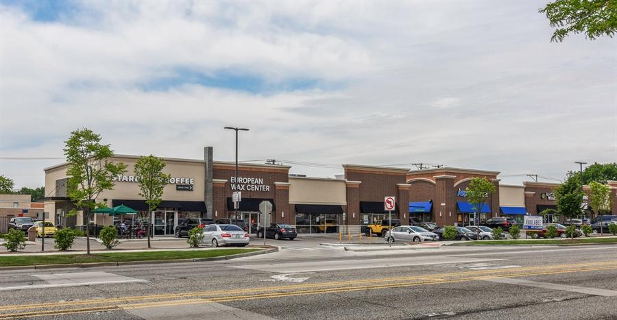 Real Estate Photography - 6902 Lockwood, Skokie, IL, 60077 - Neighborhood