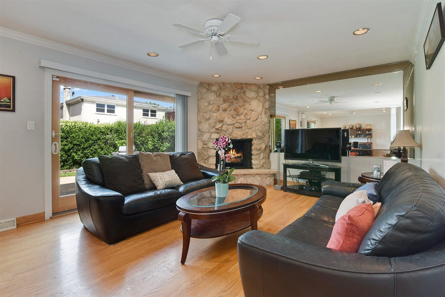 Real Estate Photography - 6902 Lockwood, Skokie, IL, 60077 - Family Room