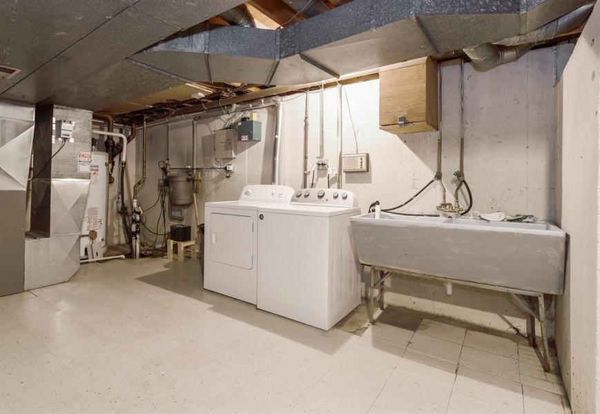 Real Estate Photography - 6902 Lockwood, Skokie, IL, 60077 - Laundry Room