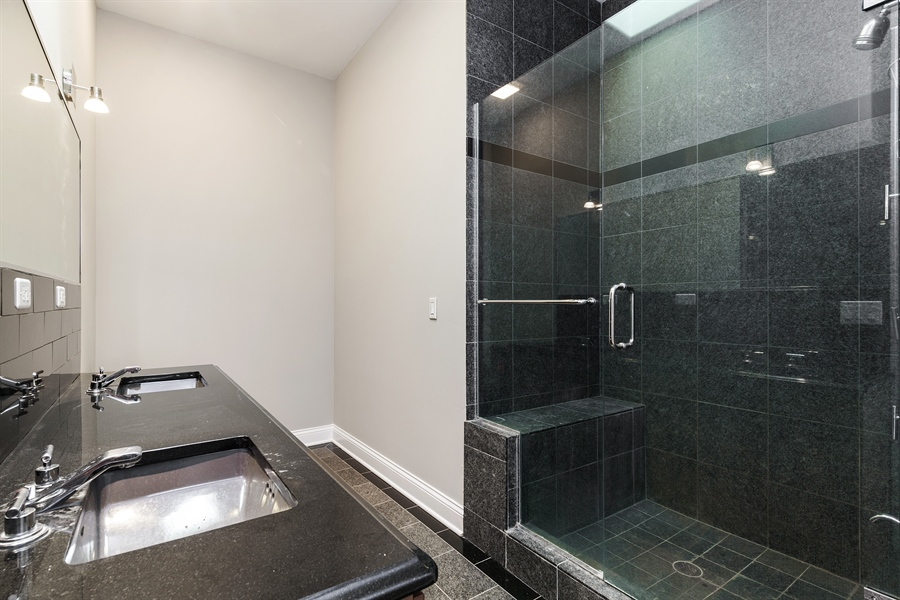 Real Estate Photography - 8 Jennifer Ct, Barrington Hills, IL, 60010 - 4th Bathroom