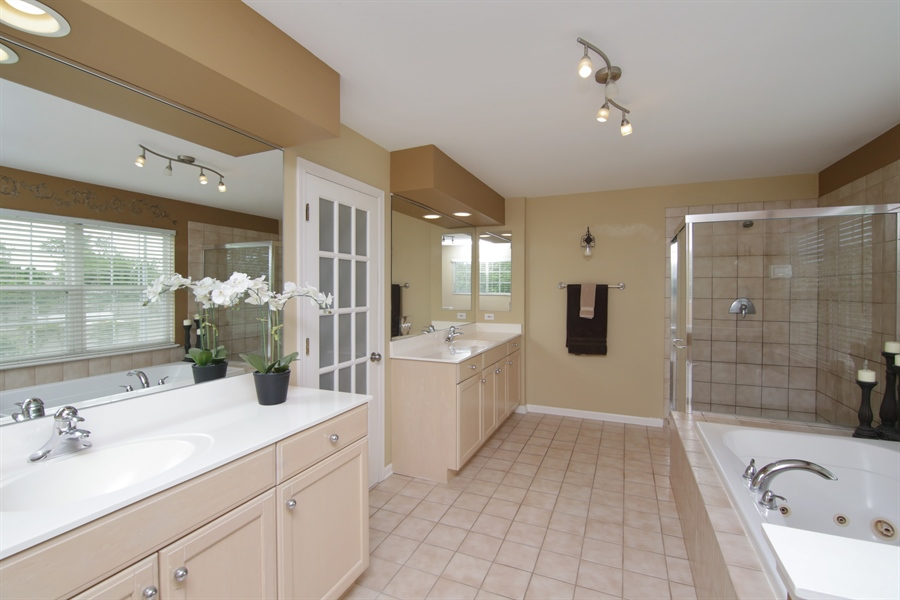 Real Estate Photography - 2584 Joshua Ln, Northbrook, IL, 60062 - Master Bathroom