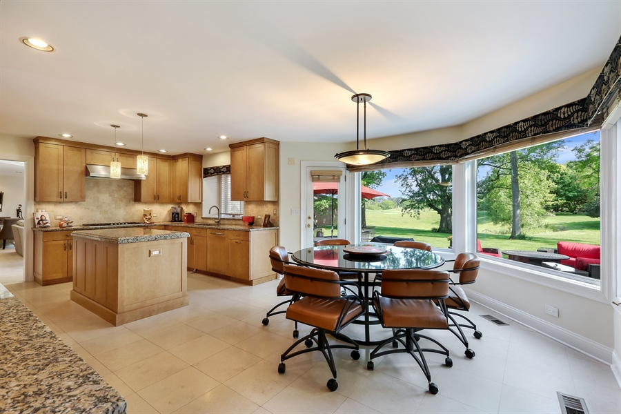 Real Estate Photography - 3041 Cyprus Court, Buffalo Grove, IL, 60089 - Kitchen / Breakfast Room