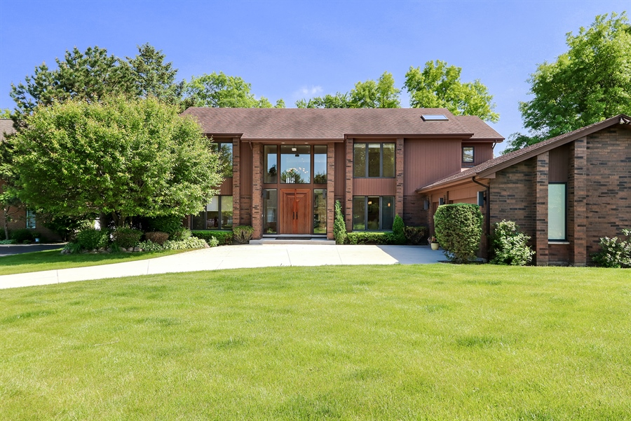 Real Estate Photography - 3041 Cyprus Court, Buffalo Grove, IL, 60089 - Front View