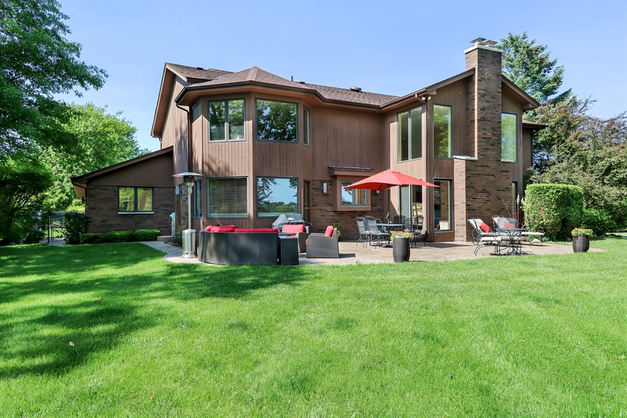 Real Estate Photography - 3041 Cyprus Court, Buffalo Grove, IL, 60089 - Rear View
