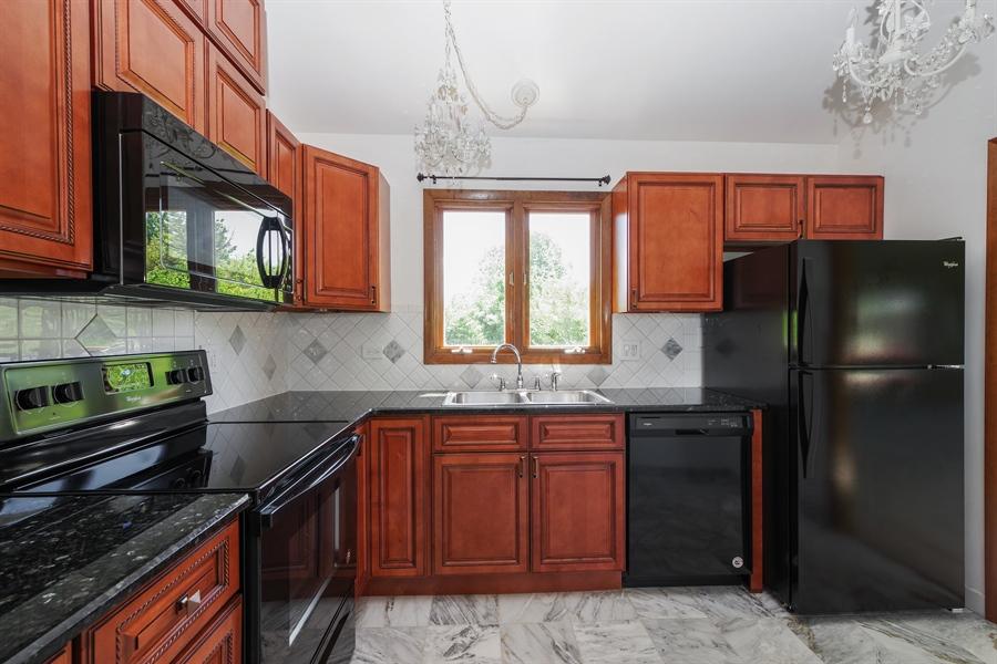 Real Estate Photography - 635 Penn Blvd, Lindenhurst, IL, 60046 - Kitchen