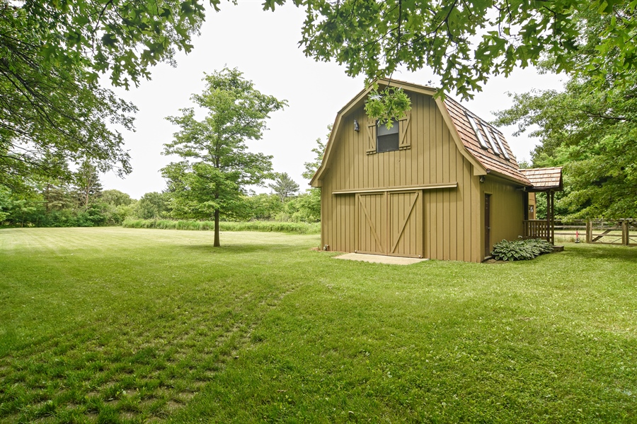 Real Estate Photography - 4509 N Krueger, Long Grove, IL, 60047 - Barn/Studio/Workshop