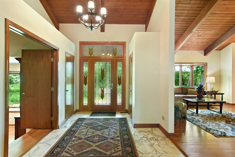 Real Estate Photography - 4509 N Krueger, Long Grove, IL, 60047 - Foyer