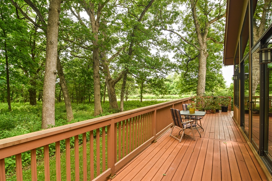 Real Estate Photography - 4509 N Krueger, Long Grove, IL, 60047 - Deck