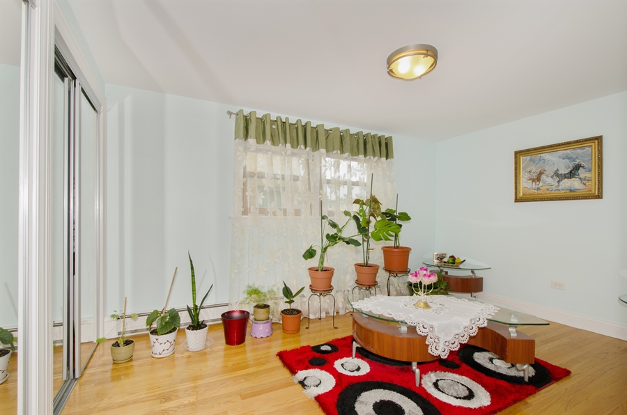 Real Estate Photography - 5227 N Reserve Ave, 2W, Chicago, IL, 60656 - 2nd Bedroom