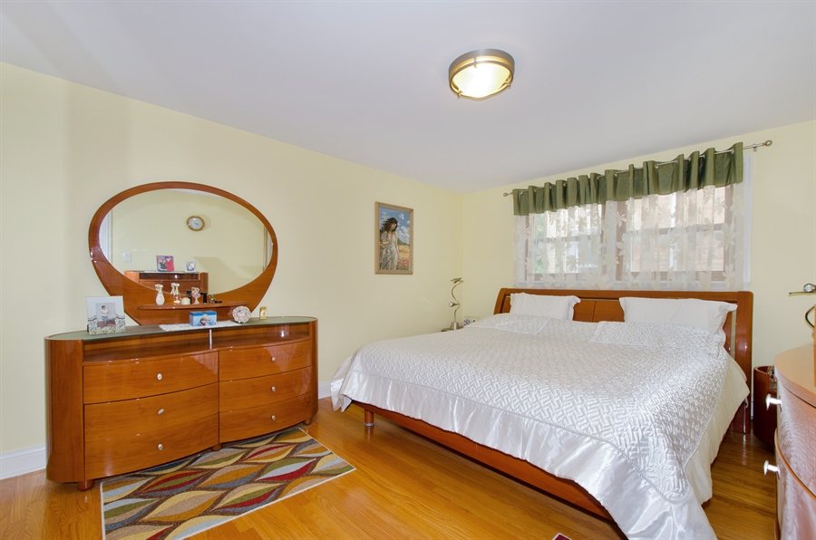 Real Estate Photography - 5227 N Reserve Ave, 2W, Chicago, IL, 60656 - Bedroom