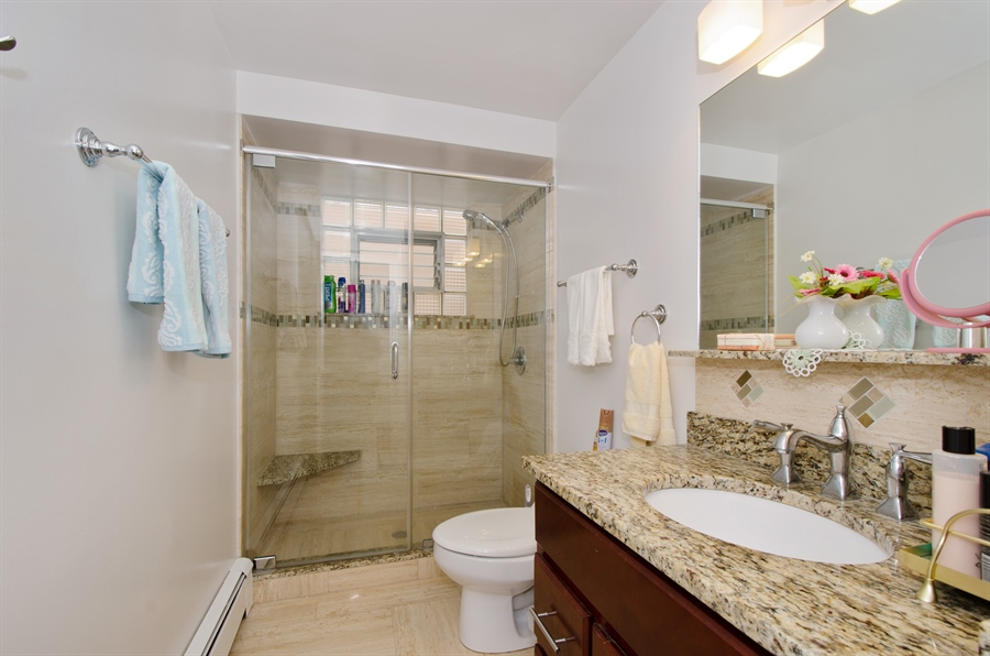 Real Estate Photography - 5227 N Reserve Ave, 2W, Chicago, IL, 60656 - Bathroom