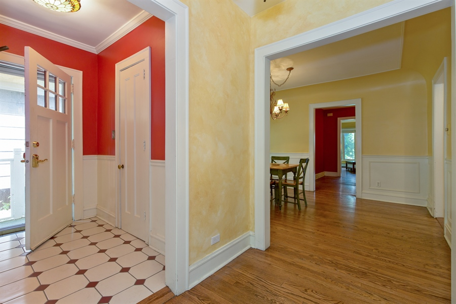 Real Estate Photography - 2111 Ridge Ave, Evanston, IL, 60201 - Foyer