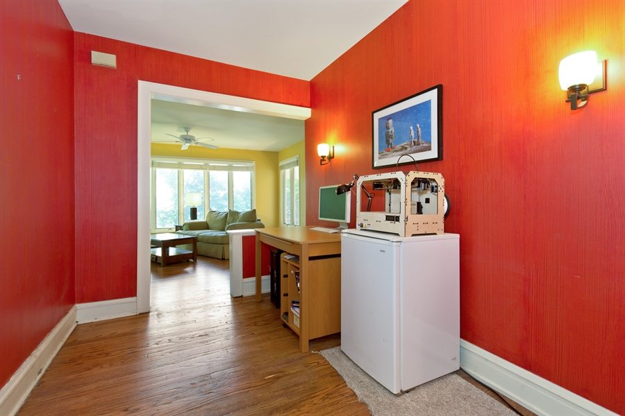 Real Estate Photography - 2111 Ridge Ave, Evanston, IL, 60201 - Office
