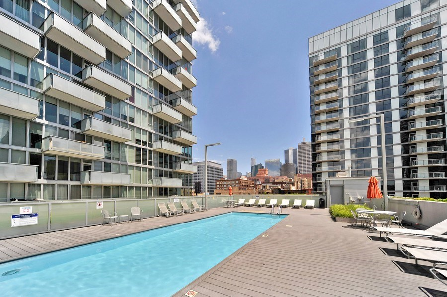 Real Estate Photography - 659 W Randolph St, Unit 410, Chicago, IL, 60661 - Pool