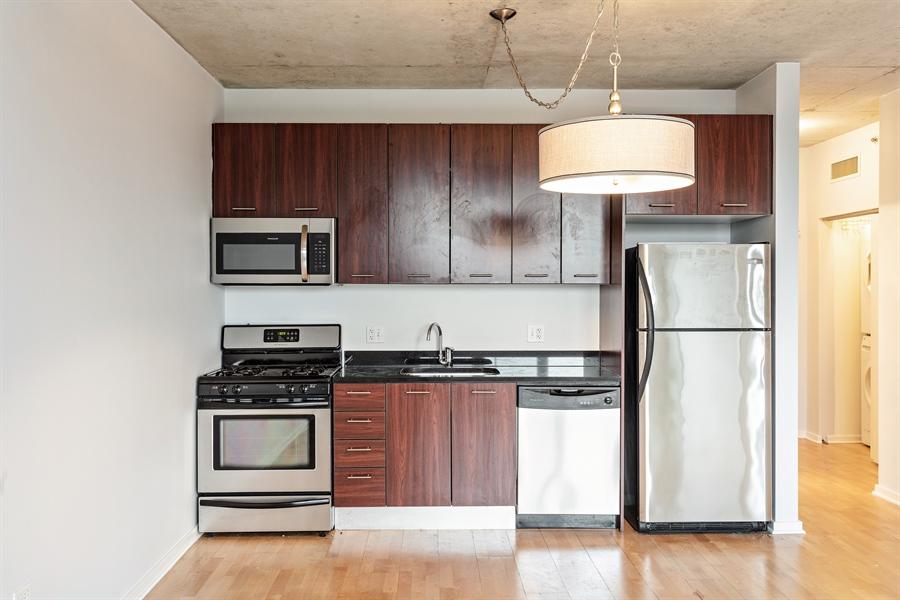 Real Estate Photography - 659 W Randolph St, Unit 410, Chicago, IL, 60661 - Kitchen