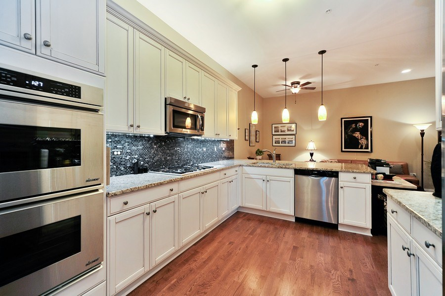 Real Estate Photography - 1000 Village Center Dr, Burr Ridge, IL, 60527 - Kitchen