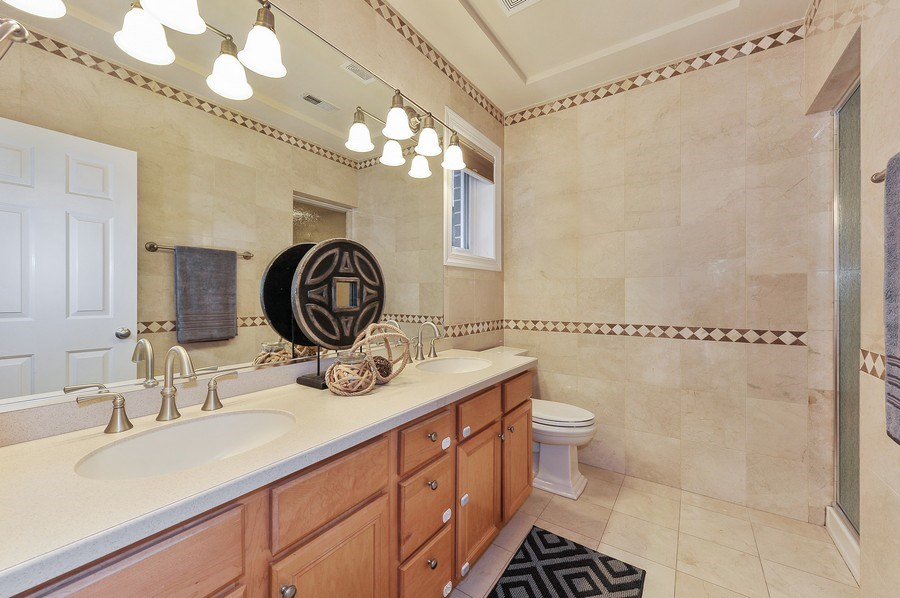 Real Estate Photography - 3927 N. Greenview, 4S, Chicago, IL, 60613 - Master Bathroom