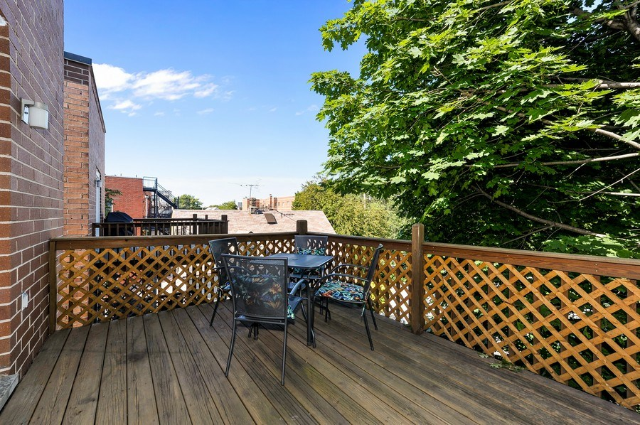 Real Estate Photography - 3927 N. Greenview, 4S, Chicago, IL, 60613 - Deck