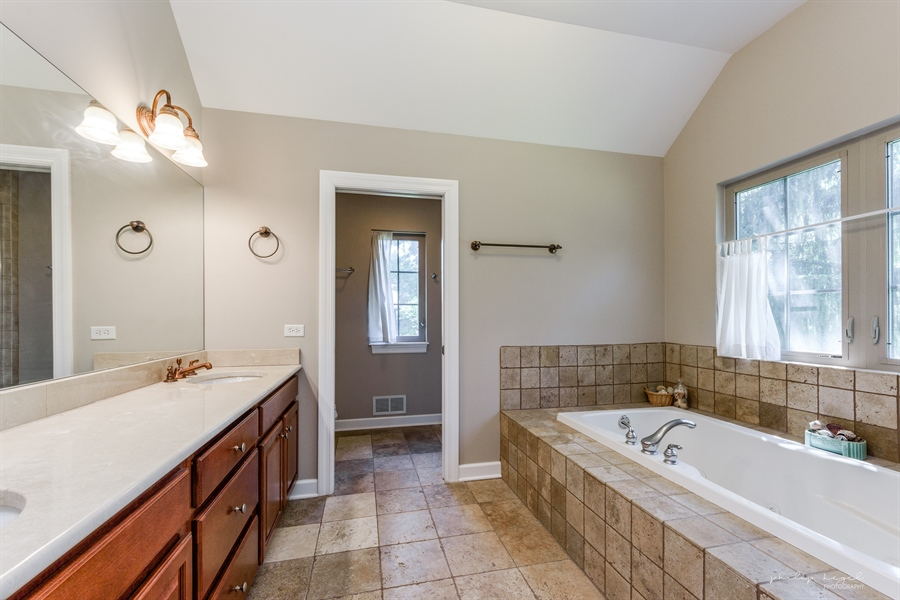 Real Estate Photography - 21530 W Sylvan Dr, Mundelein, IL, 60060 - Master Bathroom