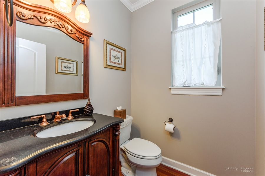 Real Estate Photography - 21530 W Sylvan Dr, Mundelein, IL, 60060 - Powder Room