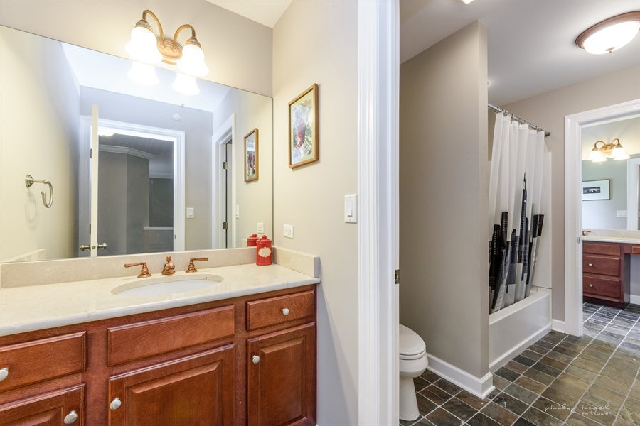 Real Estate Photography - 21530 W Sylvan Dr, Mundelein, IL, 60060 - 2nd Bathroom
