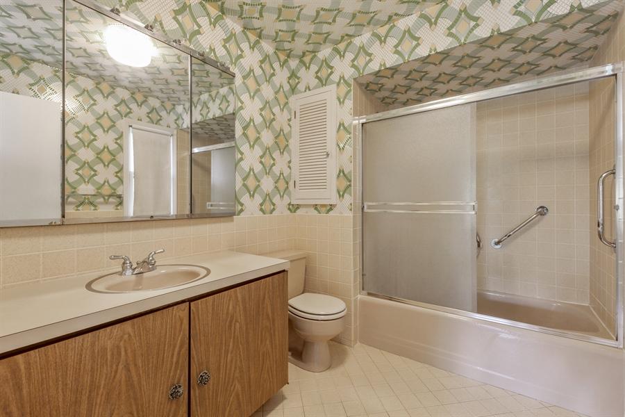 Real Estate Photography - 306 Prospect, Highland Park, IL, 60035 - Master Bathroom