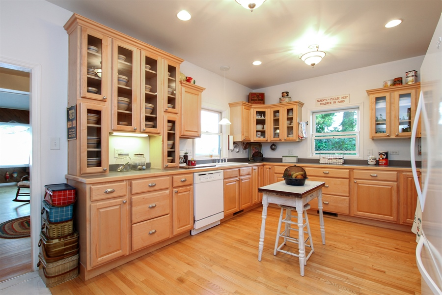 Real Estate Photography - 42675 Woodbine Ave, Antioch, IL, 60002 - Kitchen