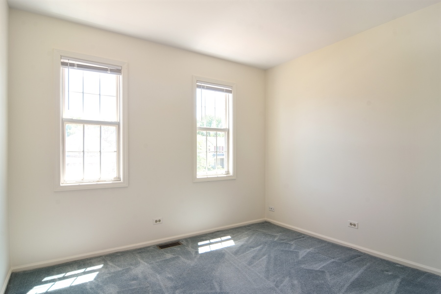 Real Estate Photography - 101 E Harbor Drive, Lake Zurich, IL, 60047 - 2nd Bedroom