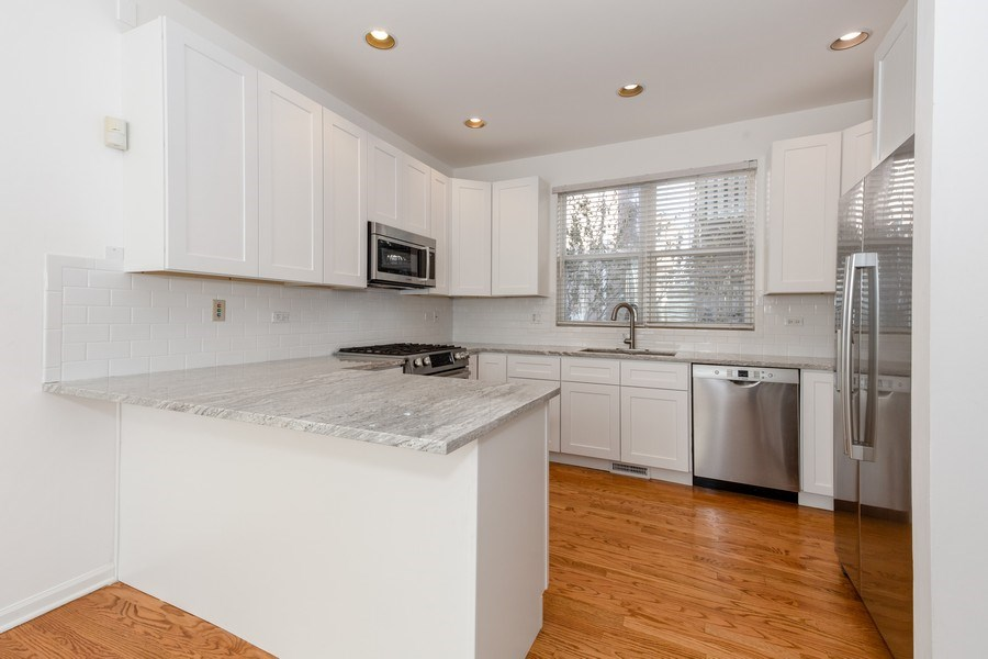 Real Estate Photography - 2847 N Wolcott, Unit #B, Chicago, IL, 60657 - Kitchen
