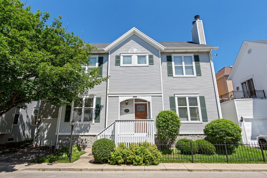 Real Estate Photography - 2847 N Wolcott, Unit #B, Chicago, IL, 60657 - Front View