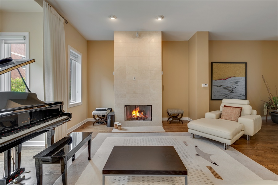 Real Estate Photography - 460 W Superior, Unit 6, Chicago, IL, 60610 - Living Room