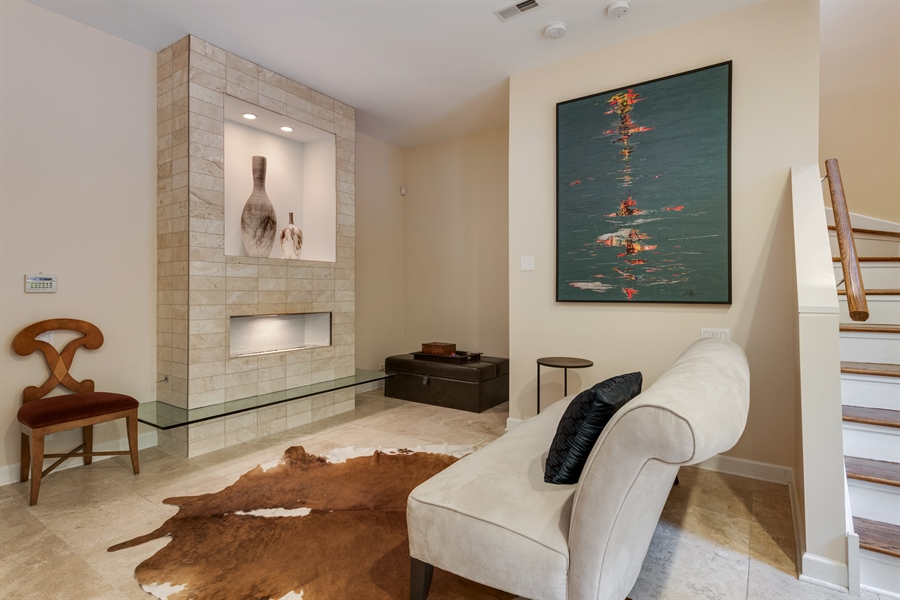 Real Estate Photography - 460 W Superior, Unit 6, Chicago, IL, 60610 - Foyer/Sitting Room