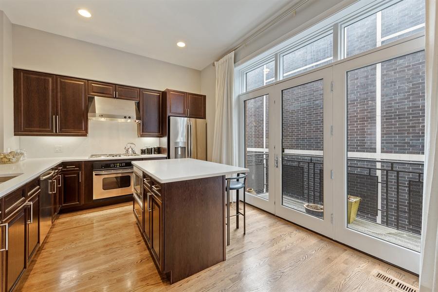 Real Estate Photography - 460 W Superior, Unit 6, Chicago, IL, 60610 -