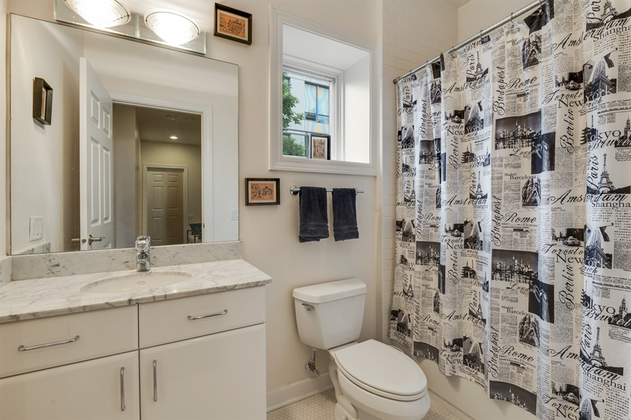 Real Estate Photography - 460 W Superior, Unit 6, Chicago, IL, 60610 - 2nd Bathroom