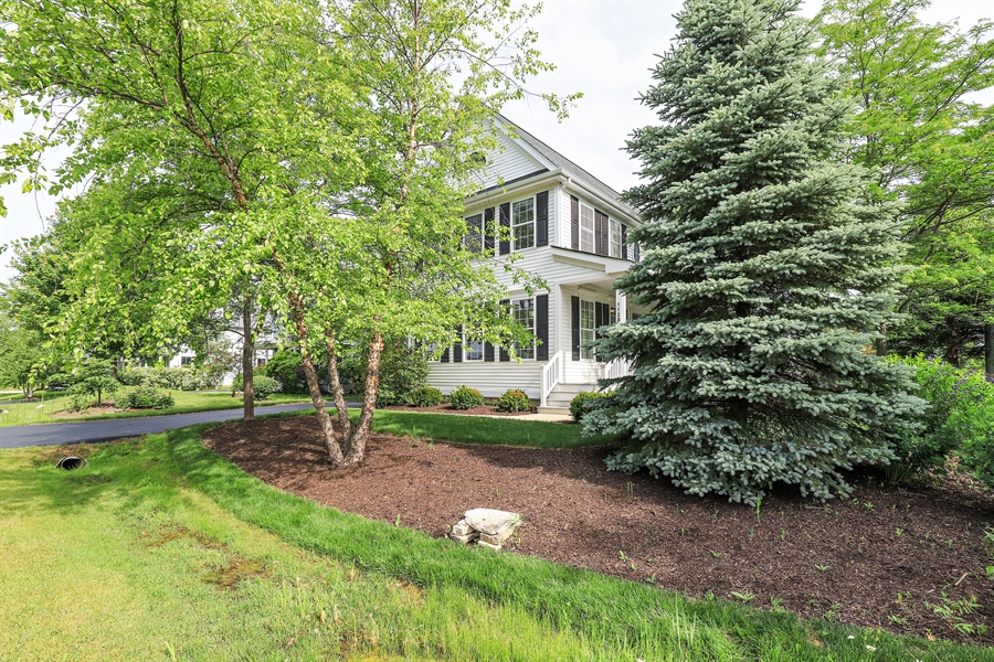 Real Estate Photography - 1128 Hedgerow Dr, Grayslake, IL, 60030 - Front View