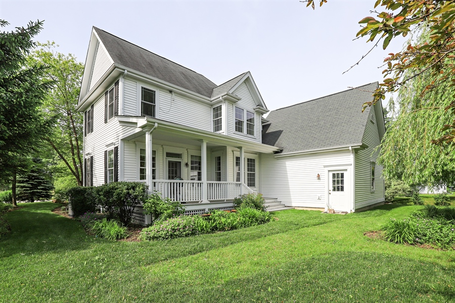 Real Estate Photography - 1128 Hedgerow Dr, Grayslake, IL, 60030 - Rear View