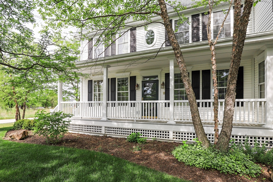 Real Estate Photography - 1128 Hedgerow Dr, Grayslake, IL, 60030 - Porch
