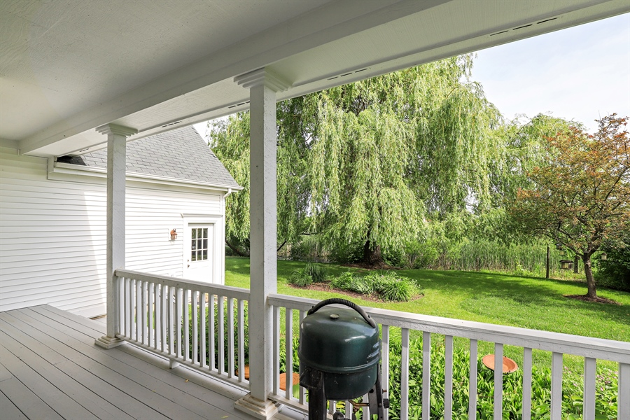 Real Estate Photography - 1128 Hedgerow Dr, Grayslake, IL, 60030 - Deck