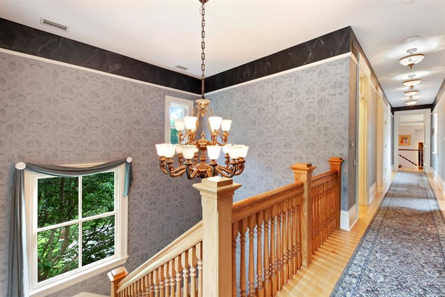 Real Estate Photography - 95 Leonard Wood, Highland Park, IL, 60035 - Hallway