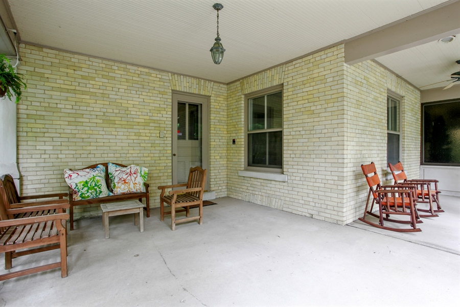 Real Estate Photography - 95 Leonard Wood, Highland Park, IL, 60035 - Porch