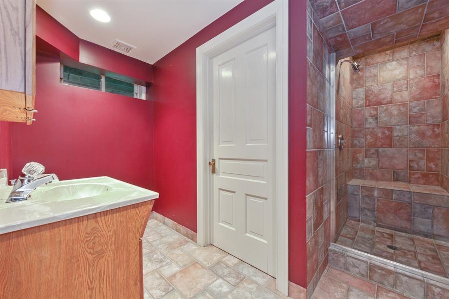 Real Estate Photography - 95 Leonard Wood, Highland Park, IL, 60035 - Bathroom