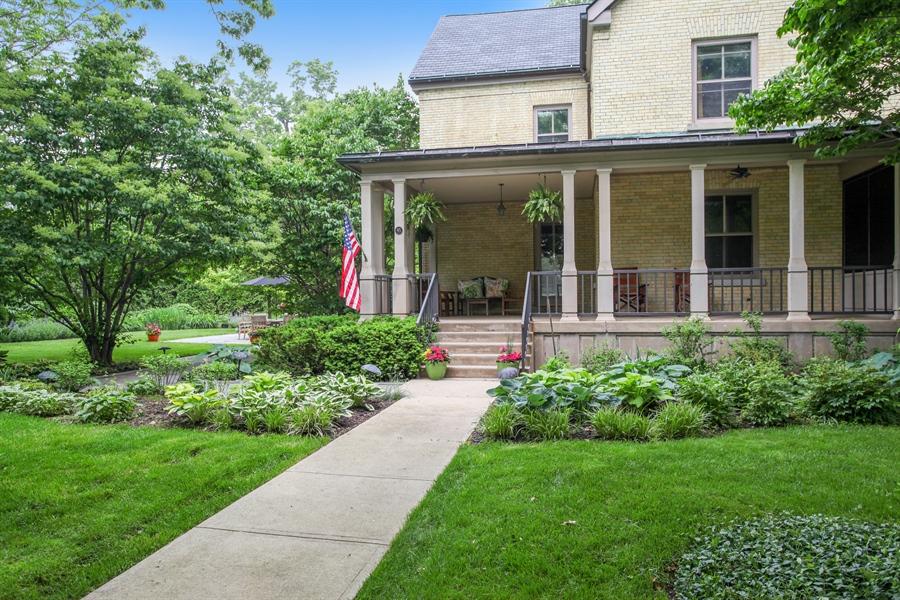 Real Estate Photography - 95 Leonard Wood, Highland Park, IL, 60035 - Entryway