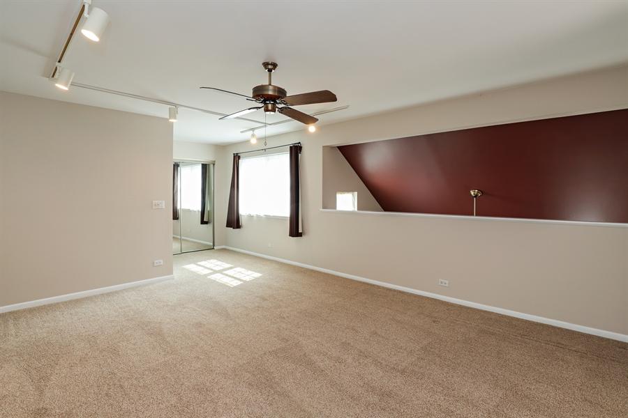 Real Estate Photography - 645 Wilbur, Gurnee, IL, 60031 - Loft