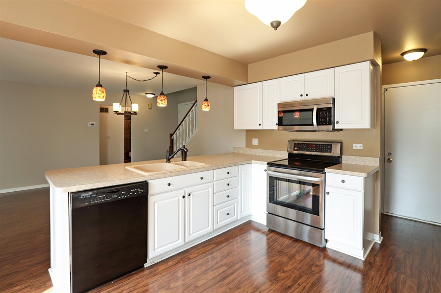 Real Estate Photography - 645 Wilbur, Gurnee, IL, 60031 - Kitchen