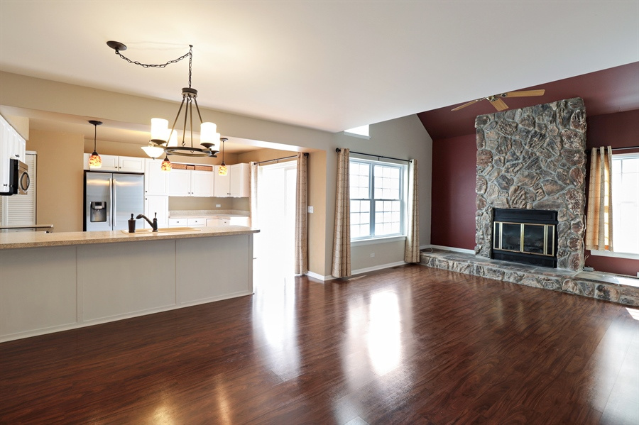Real Estate Photography - 645 Wilbur, Gurnee, IL, 60031 - Living Room