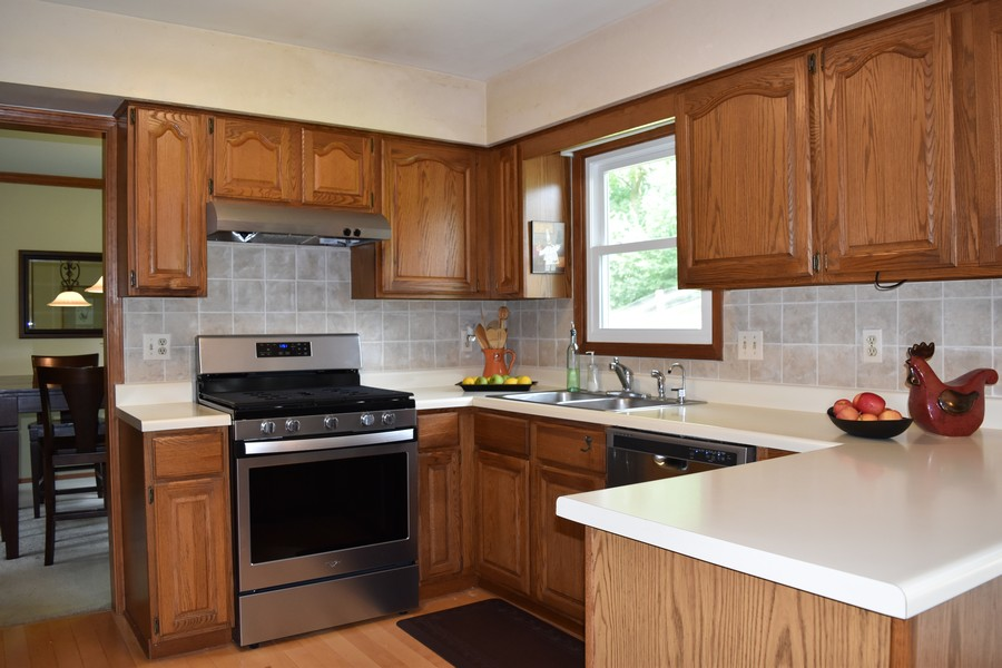 Real Estate Photography - 910 Manley, St Charles, IL, 60174 -