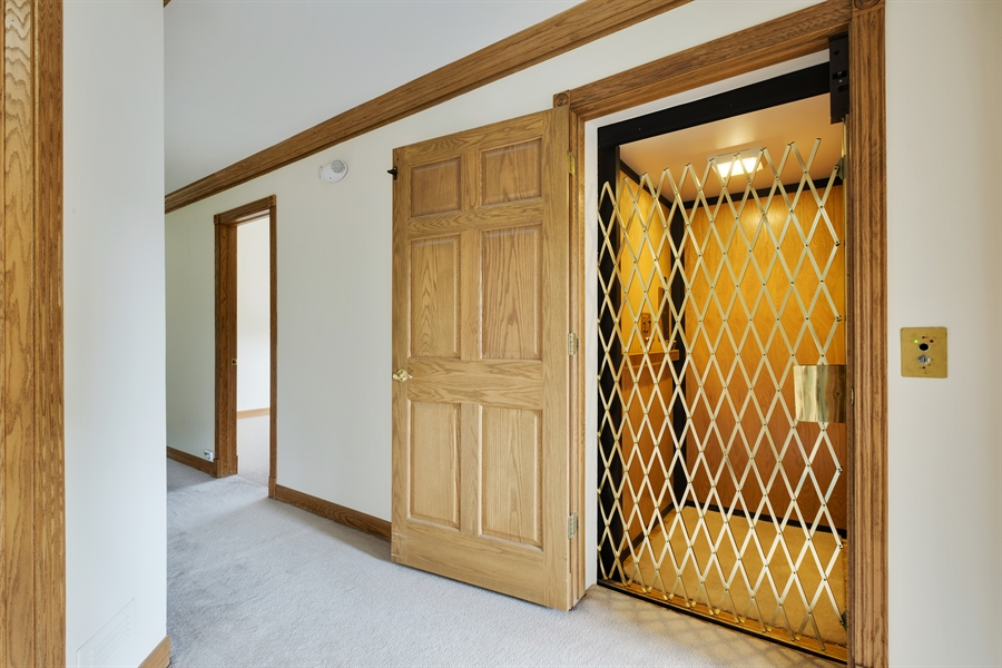 Real Estate Photography - 2323 Old Glenview Rd, Wilmette, IL, 60091 - Elevator