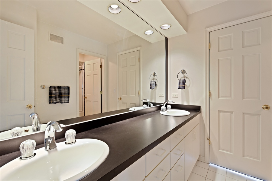 Real Estate Photography - 2389 Tennyson Ln, Highland Park, IL, 60035 - 3rd Bathroom